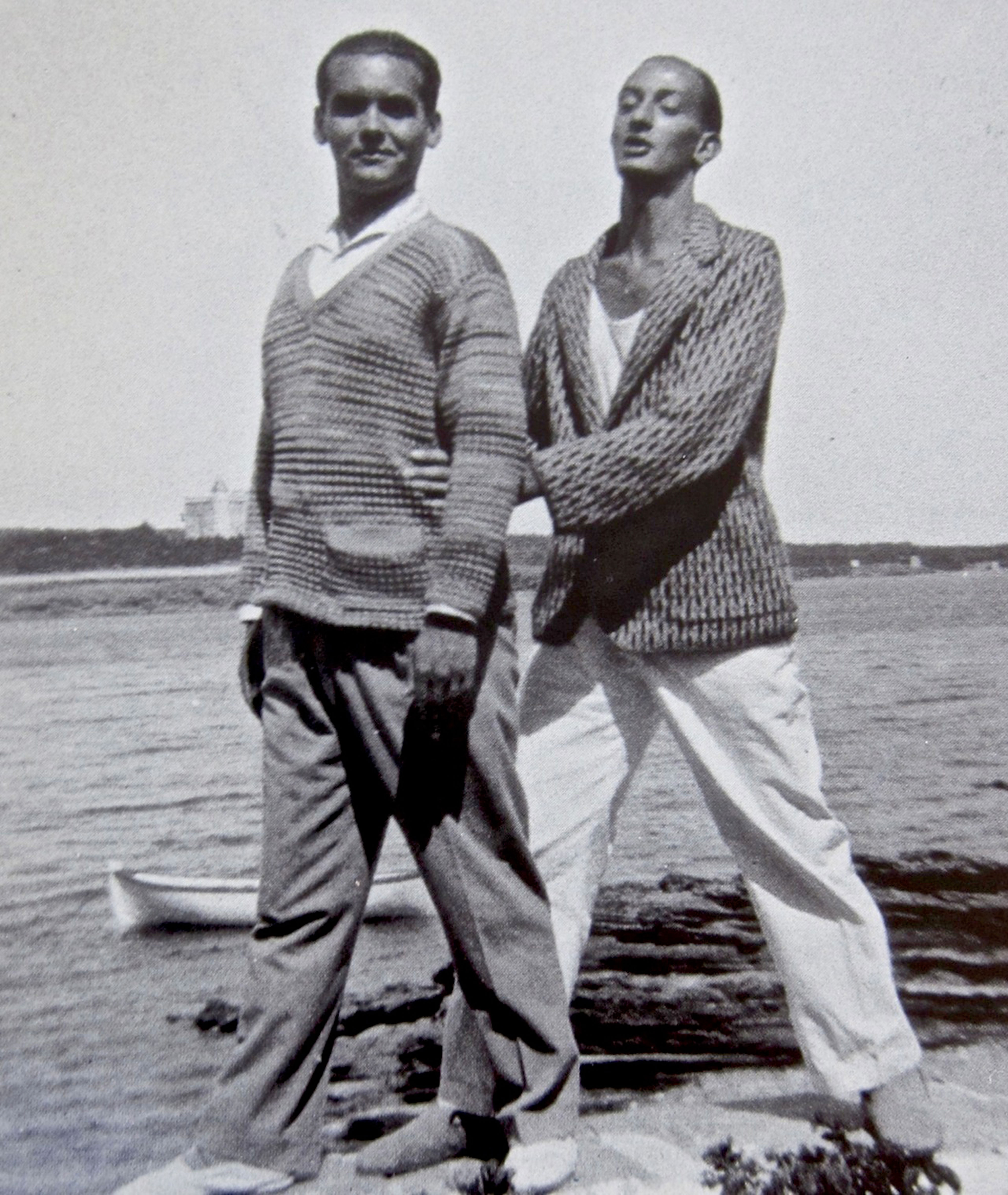 Сальвадор Дали и Фредерико Гарсиа Лорка в Salvador Dalí and Federico García Lorca in Cadaqués. Found in the Collection of Fundació Gala - Salvador Dali, Figueres. (Photo by Fine Art Images/Heritage Images/Getty Images)