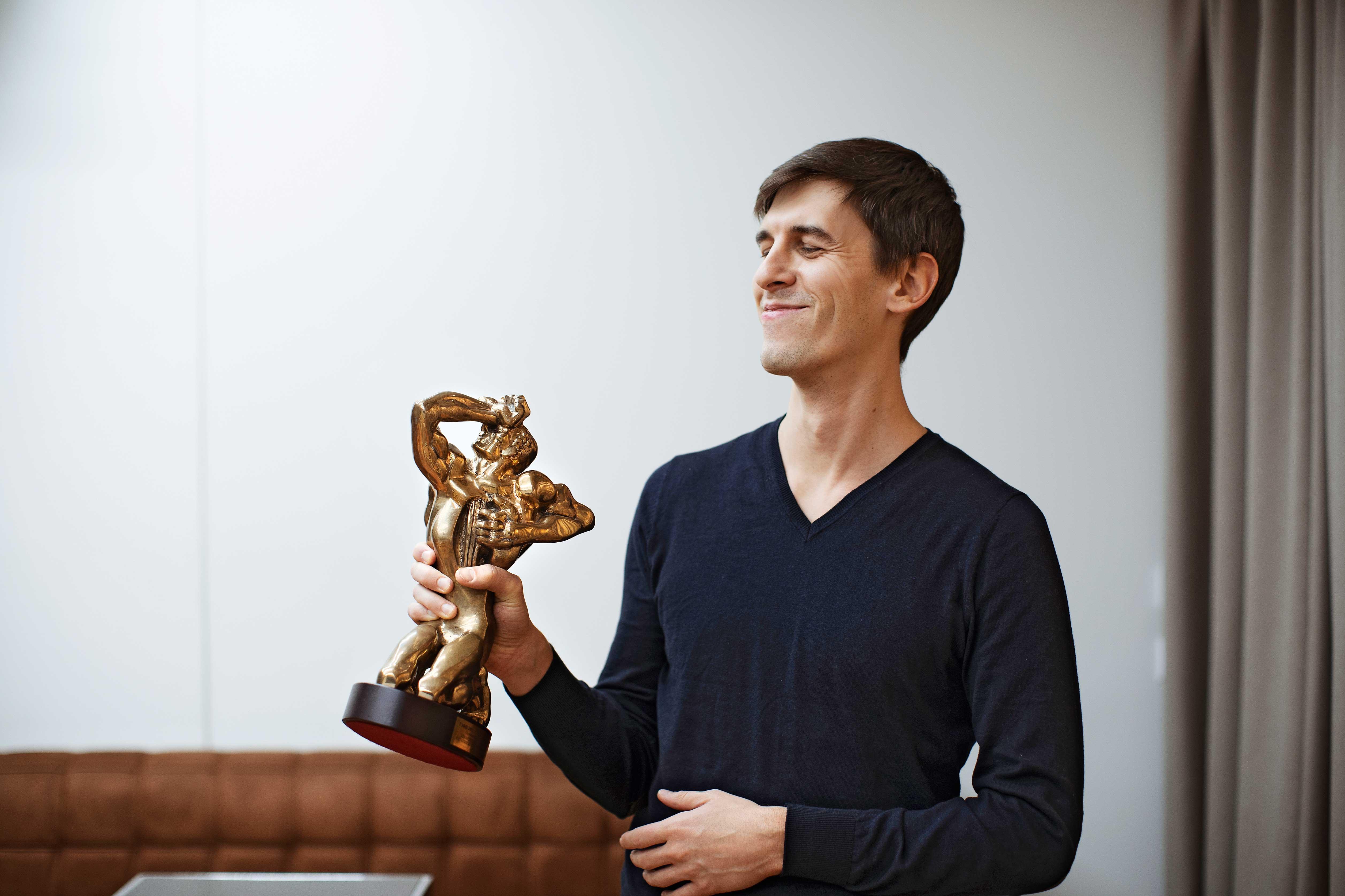 Василий Куценко со статуэткой «ТЭФИ»