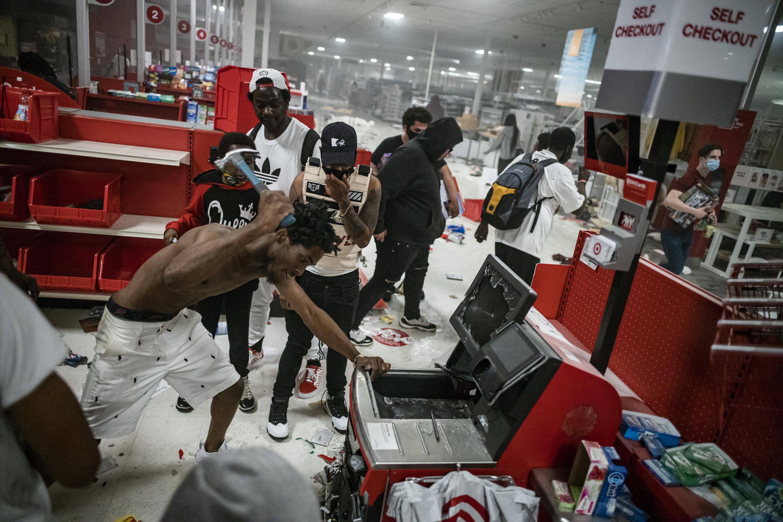 Взлом кассы вторговом центре Target вМиннеаполисе