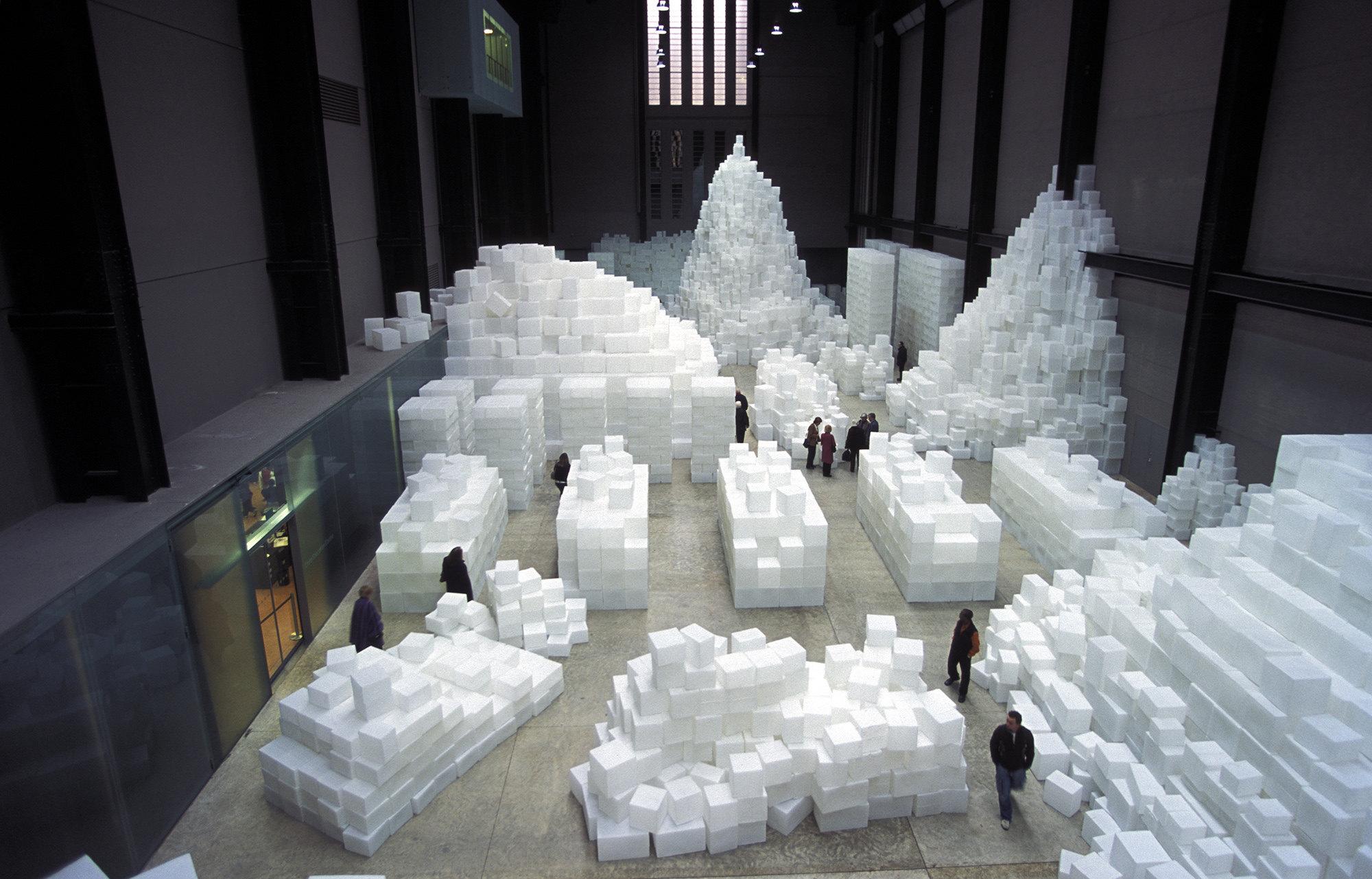 Скульптура Рейчел Витерид Embankment вТурбинном зале,