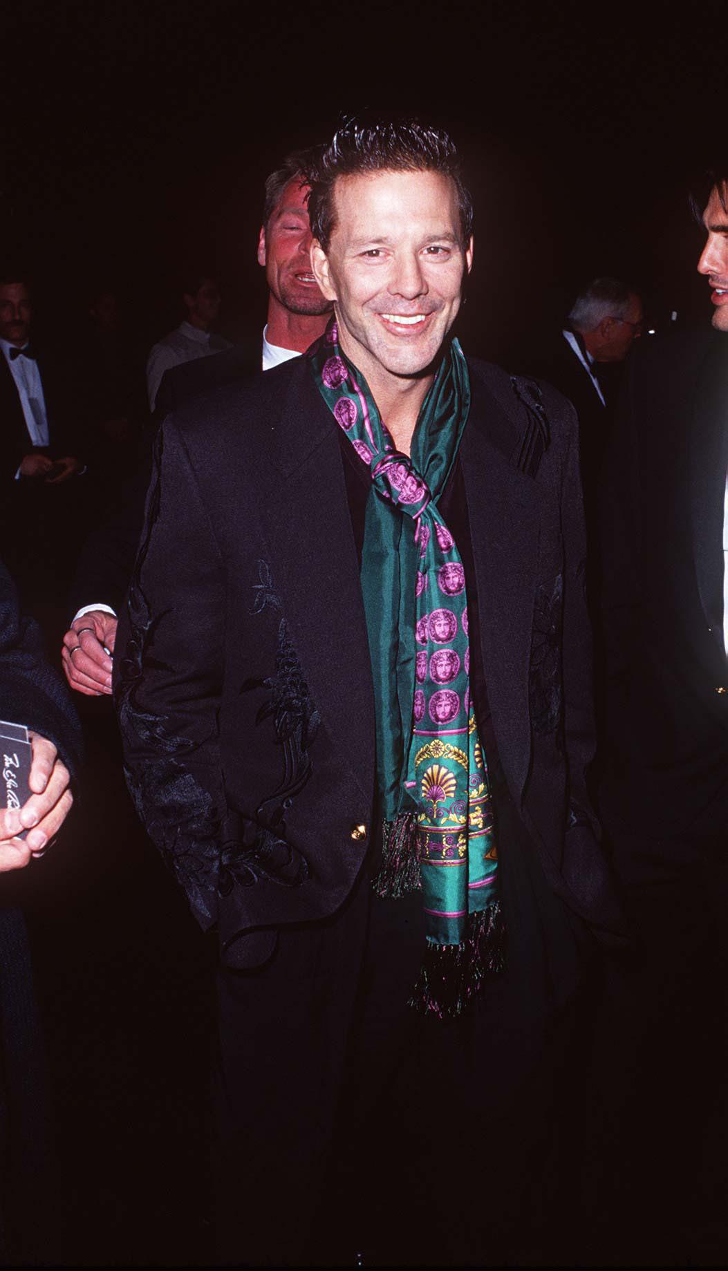 На благотворительном вечере Revlon UCLA Women Cancer Center, 1994