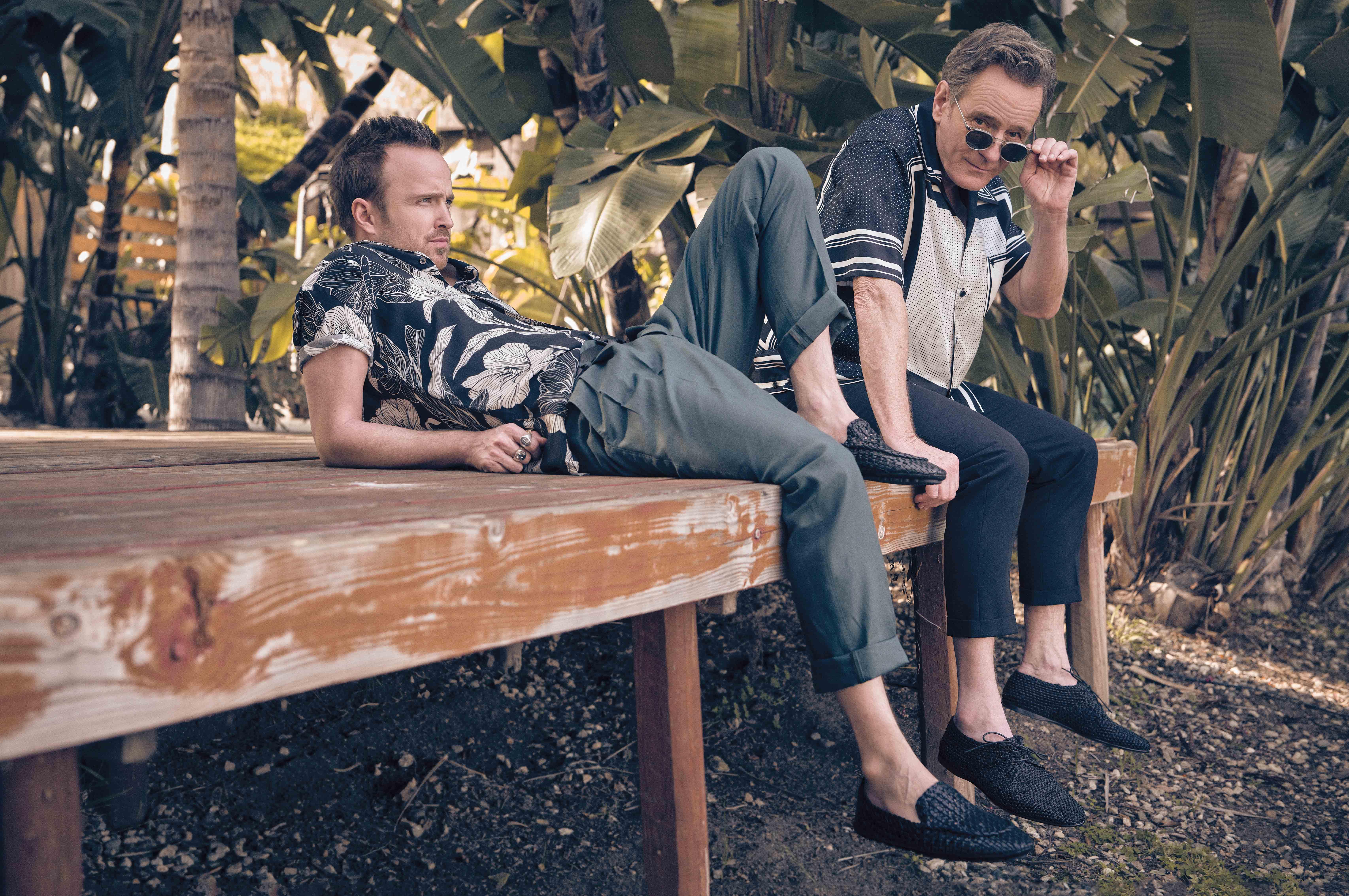 На Аароне:рубашка AllSaints; брюки илоферыDolce & Gabbana; перстни David Yurman.На Брайане:рубашка идерби Dolce & Gabbana; брюки AllSaints; очки Oliver Peoples