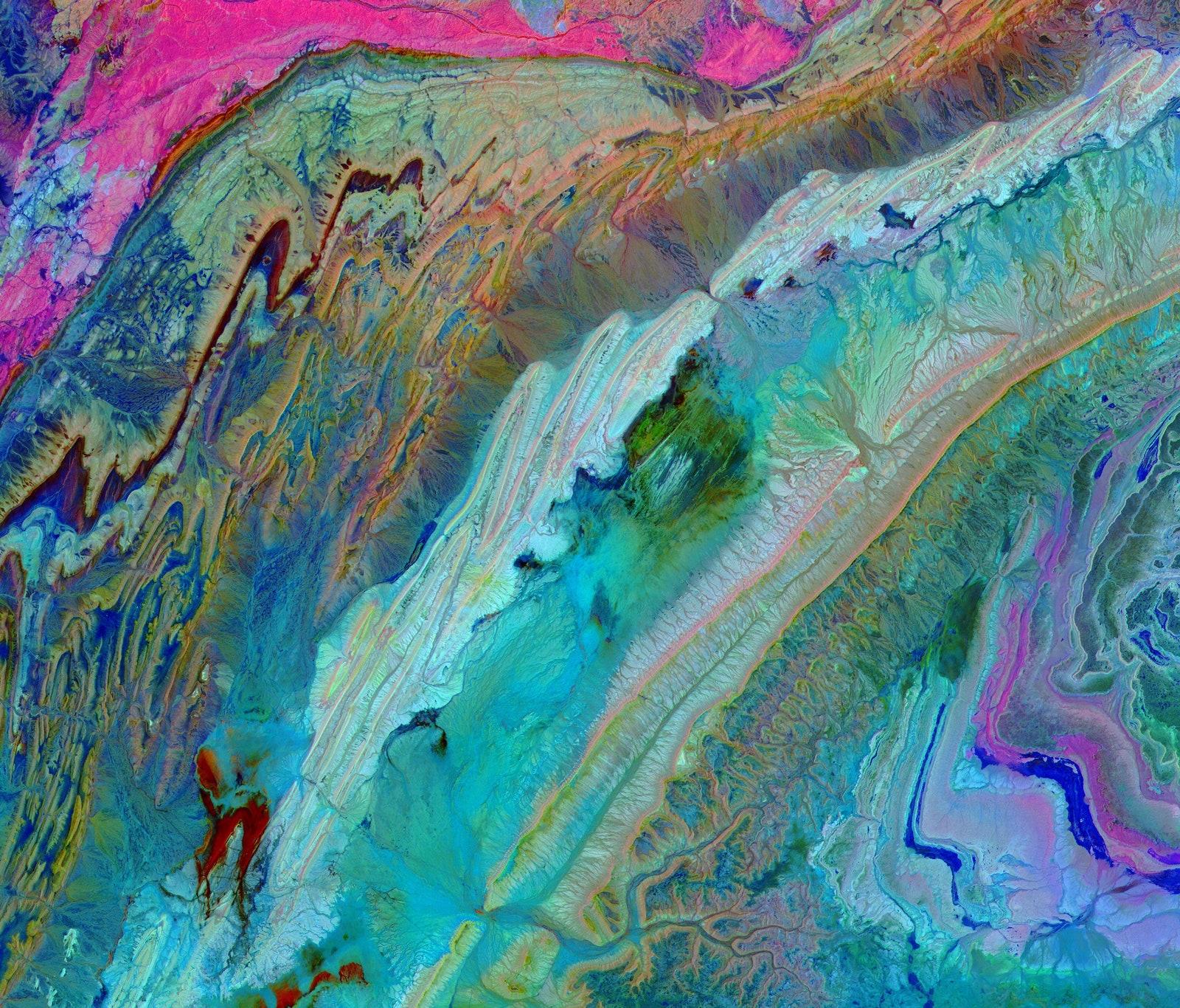Залегание горных пород хребта Анти-Атлас, Марокко