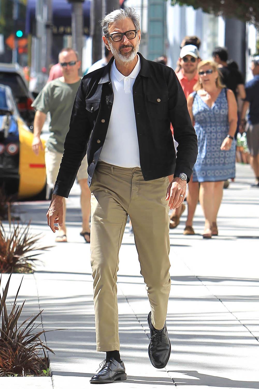 Джефф Голдблюм напрогулке вЛос-Анджелесе