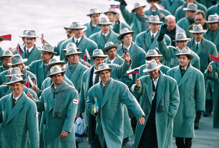 Российская сборная нацеремонии открытия зимних Олимпийских игр вАльбервиле, 1992 год.