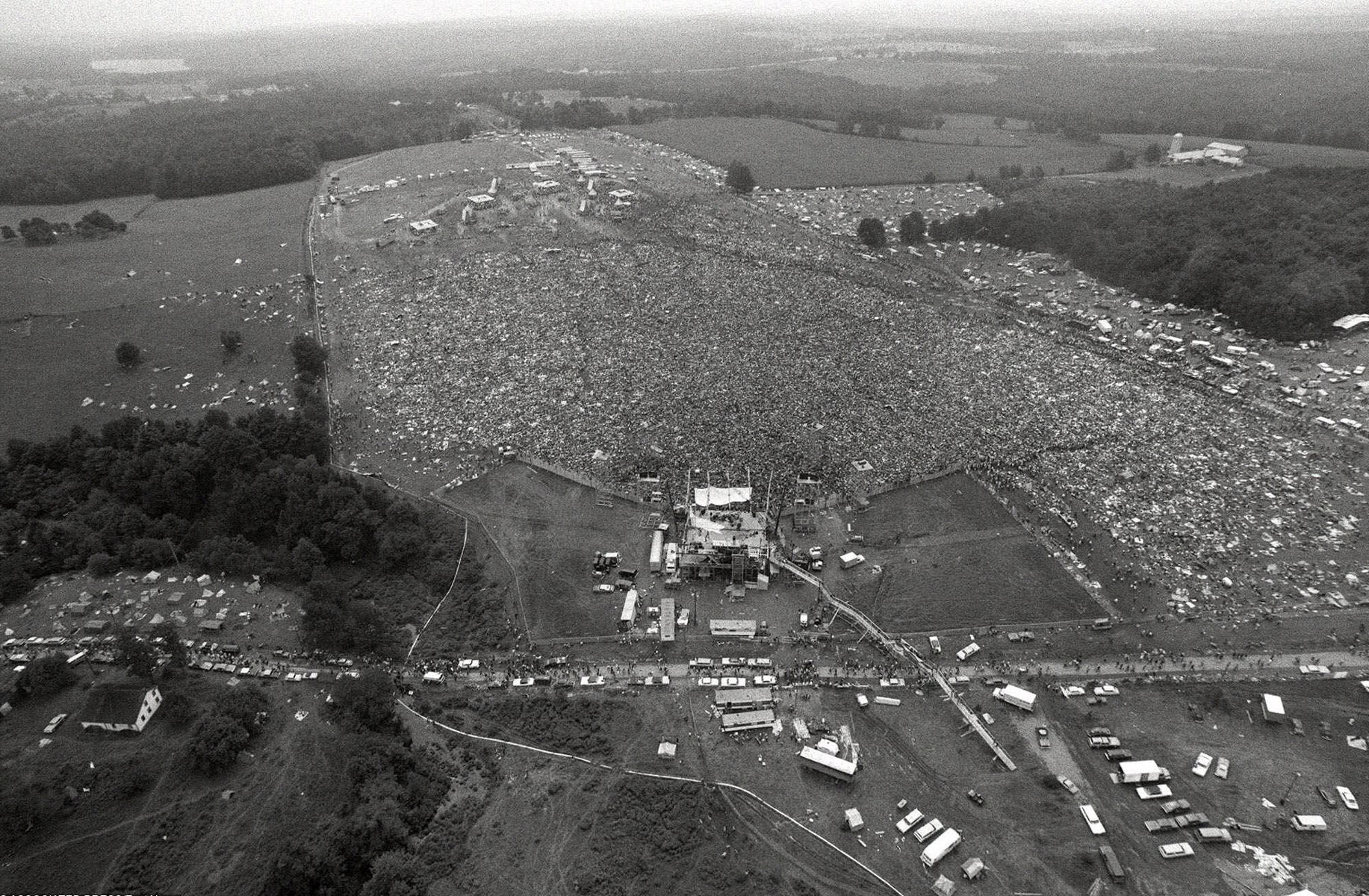 About 400,000 people attend the Woodstock Music and Arts Festival in Bethel, N.Y., August 16, 1969. Фото: AP/East News