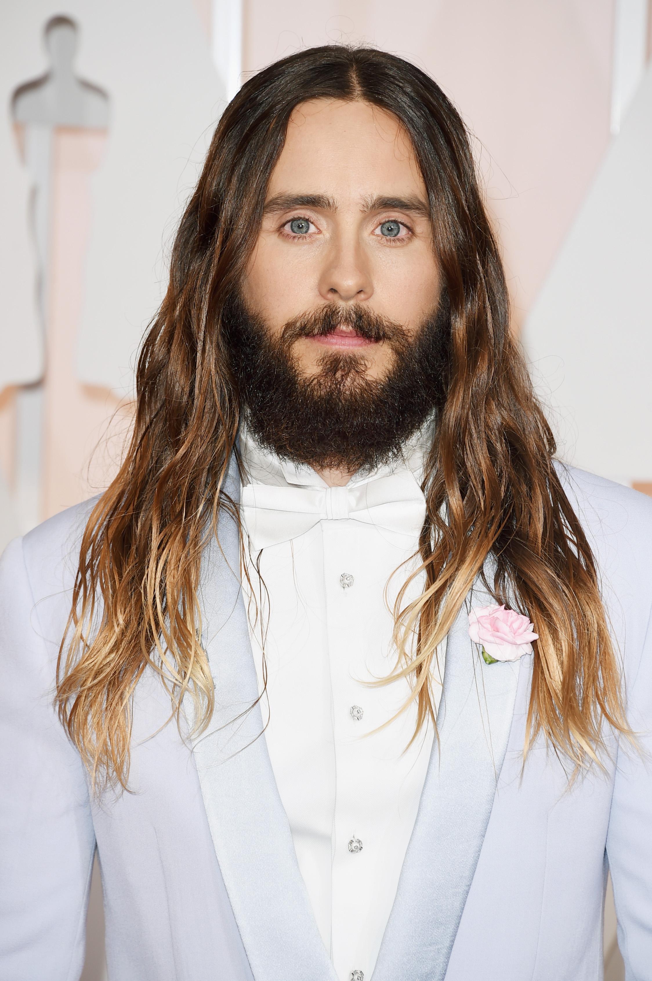 Как стричься чтобы отрастить волосы парню?