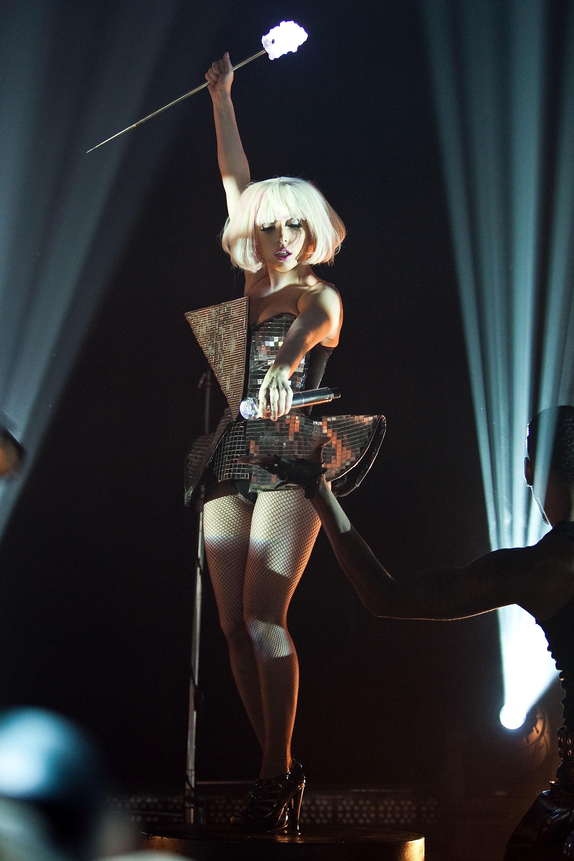 Леди Гага наконцерте в2009 году