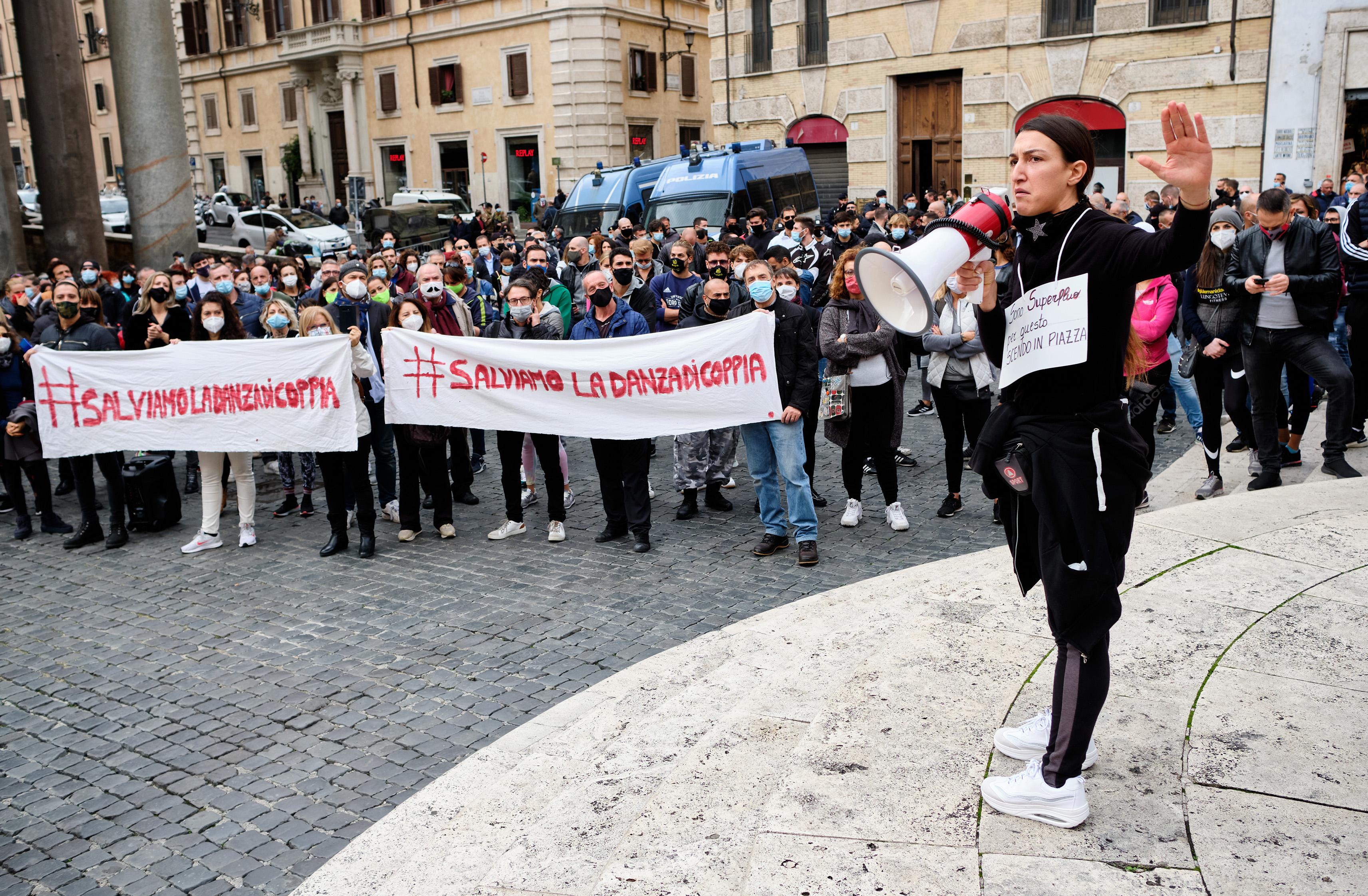 Работники тренажерных залов протестуют против ограничительных мер