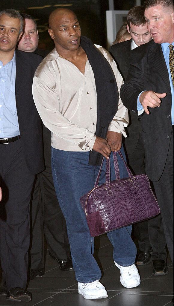 Майк Тайсон вДублинском аэропорту, 2006