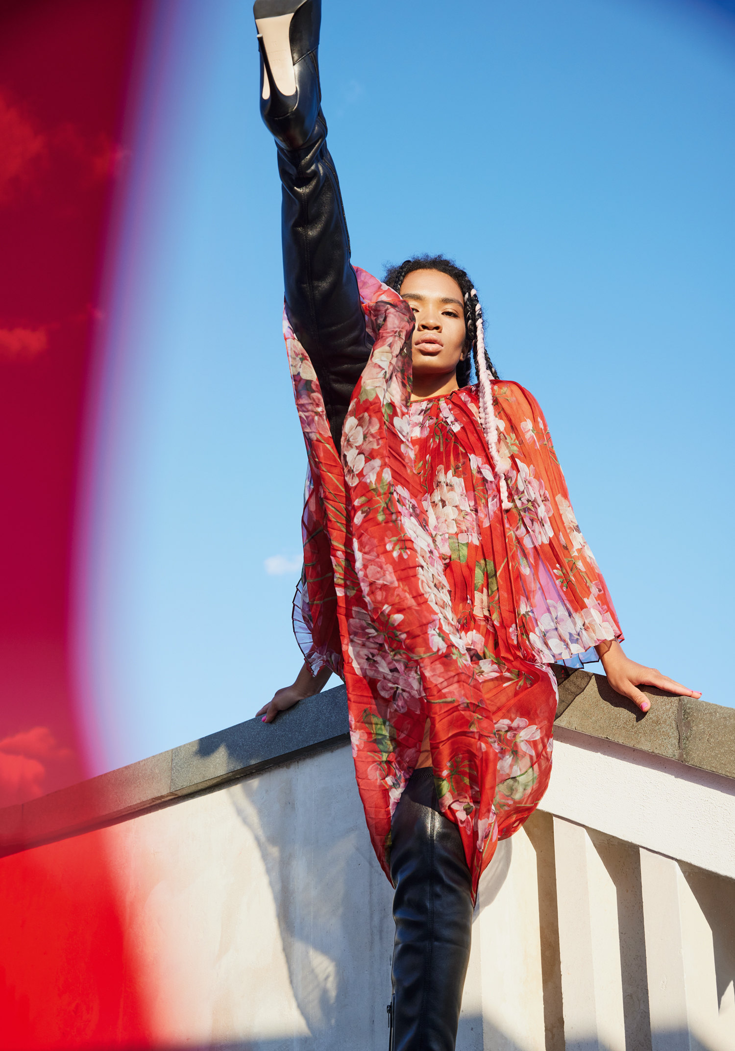 Платье Gucci, сапоги Le Silla