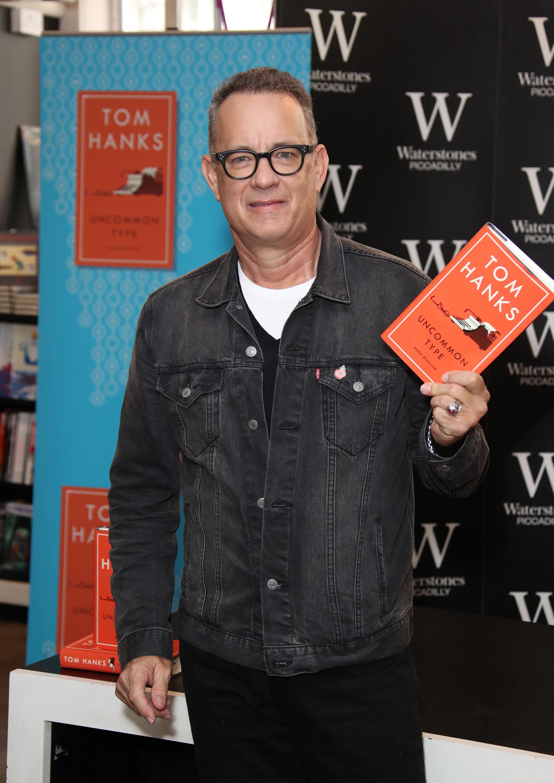 Том Хэнкс напрезентации своей книги вЛондоне, 2017