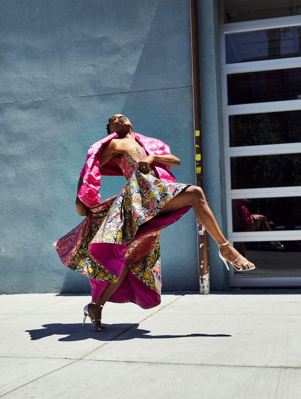 Платье ишарф Prabal Gurung, обувь Tamara Melon