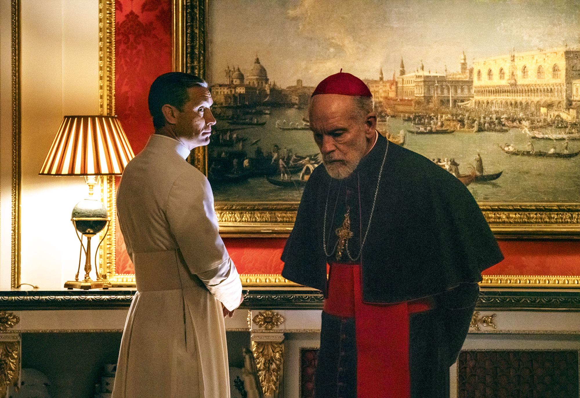 И «Молодой папа», и«Новый папа» — отом, что даже папа может сомневаться
