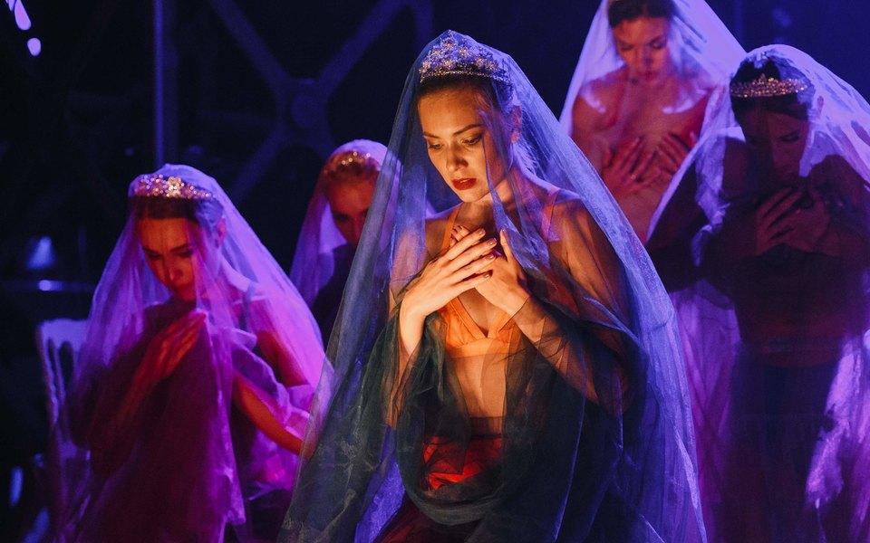 Зарисовки олюбви: в«Ленинград-центре» показали новое шоу Timeless
