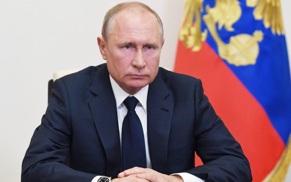 Путин поручил срочно ужесточить правила оборота гражданского оружия после стрельбы в казанской школе