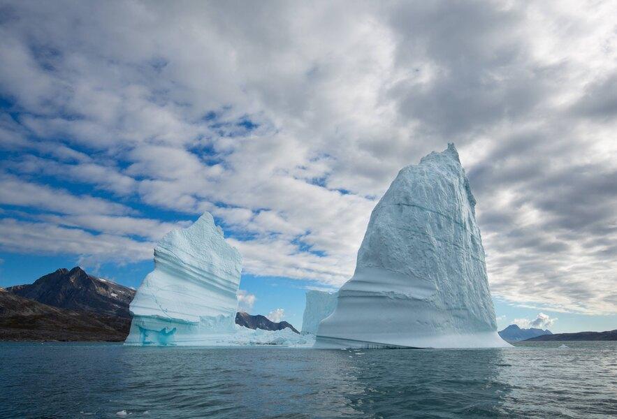 Гренландия планирует продавать воду изтающих ледников