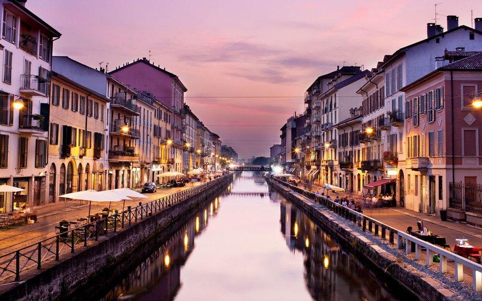 Власти Милана запретили селфи-палки