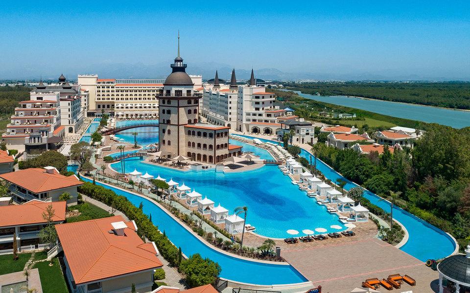 Titanic Mardan Palace в Турции: что нужно знать о новом отеле | Журнал  Esquire.ru