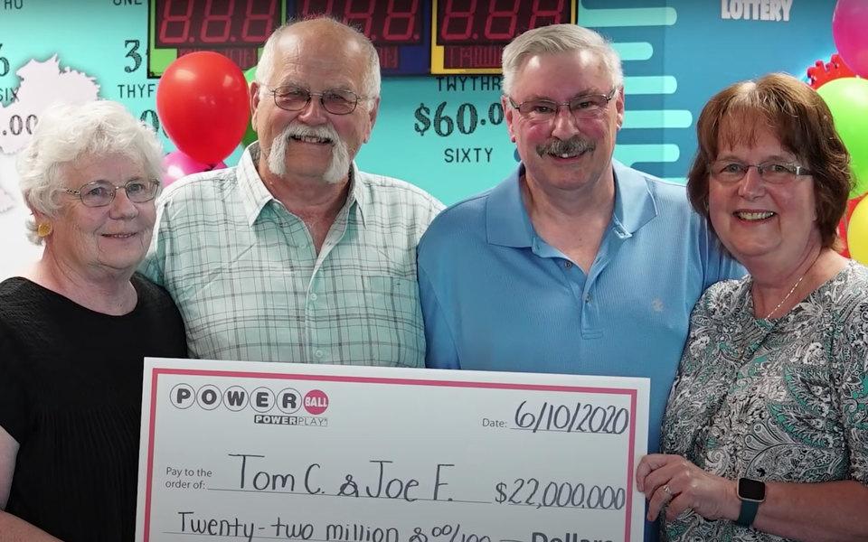 Победителю лотереи пришлось разделить $22 миллиона сдругом. А все из-за обещания, данного 28 лет назад