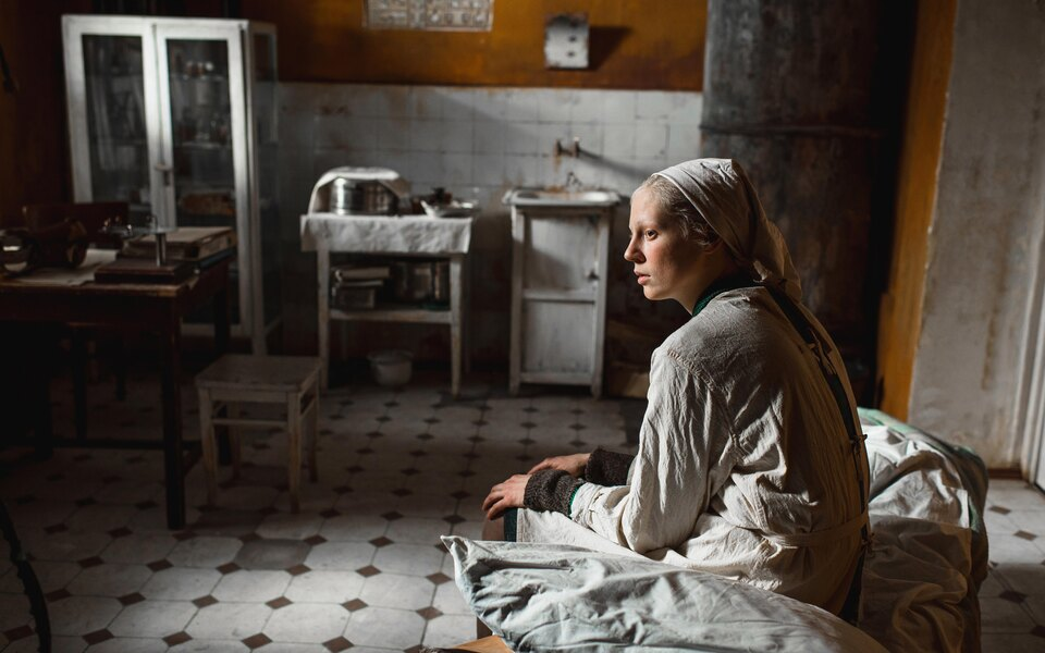 The New York Times включила фильмы «Дылда» Кантемира Балагова и«Гунда» Виктора Косаковского вдесятку лучших картин года