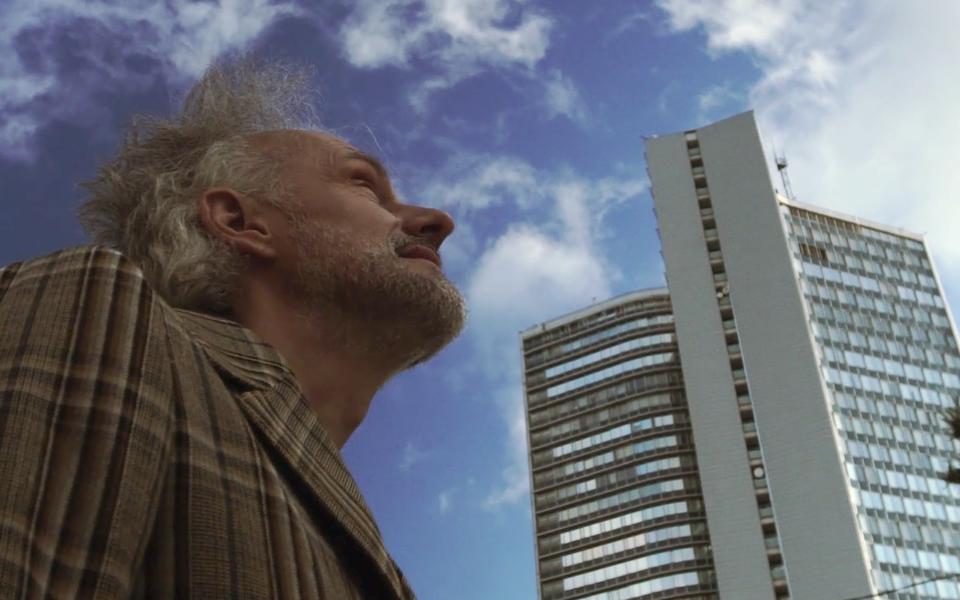 Олег Нестеров читает отрывки своего романа «Небесный Стокгольм»