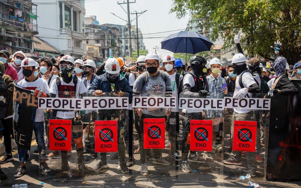ООН: минимум 18 человек убиты и30 ранены во время протестов вМьянме 28 февраля