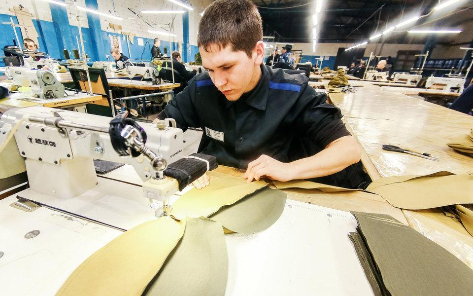 В России появятся филиалы исправительных колоний прикрупных предприятиях. Это поможет трудоустроить заключенных
