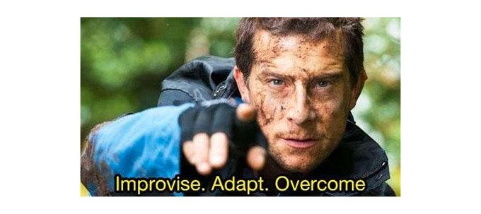 Improvise. Adapt. Overcome («Импровизируй. Адаптируйся. Преодолевай») — фраза, ставшая мемом благодаря Беару Гриллсу, насамом деле чей девиз?