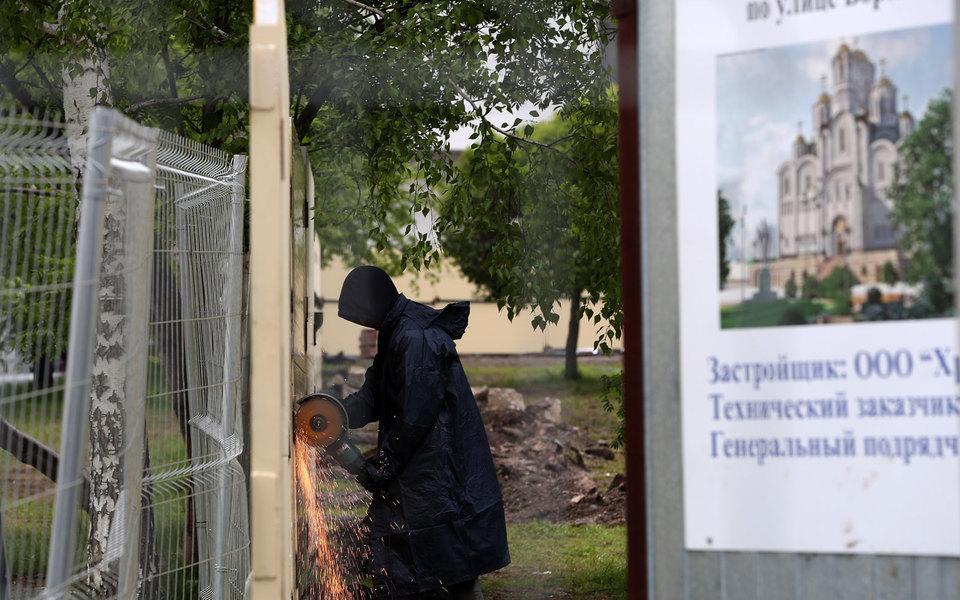 В Екатеринбурге утвердили новые площадки длястроительства храма. Сквера среди них нет