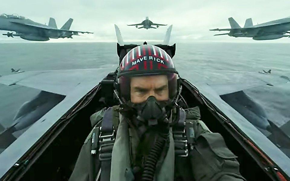 Снова внебо: Том Круз летает наистребителе втрейлере сиквела «Лучшего стрелка»