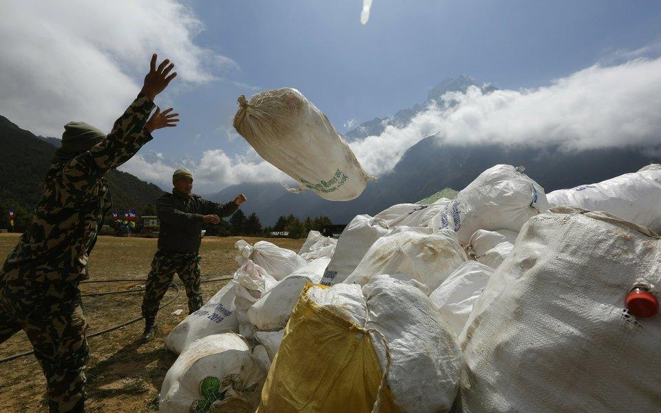 Власти Непала запретили использование одноразового пластика врайоне Эвереста