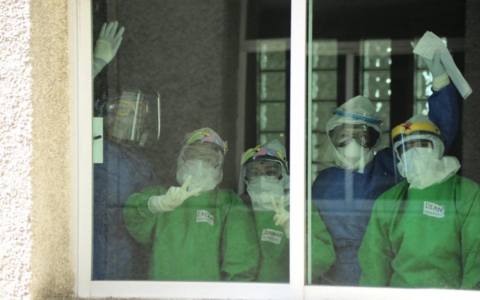 Коронавирус к23 мая: Бразилия ненадолго обошла Россию почислу заболевших, число заразившихся вмире превышает 5,2 миллиона
