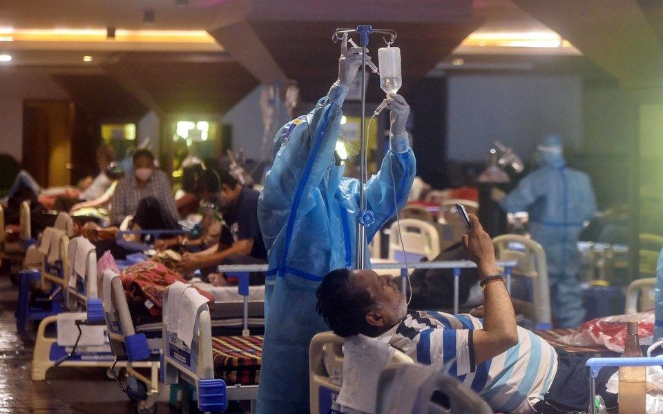 В Индии засутки коронавирусом заразились более 400 тысяч человек. Это новый мировой максимум