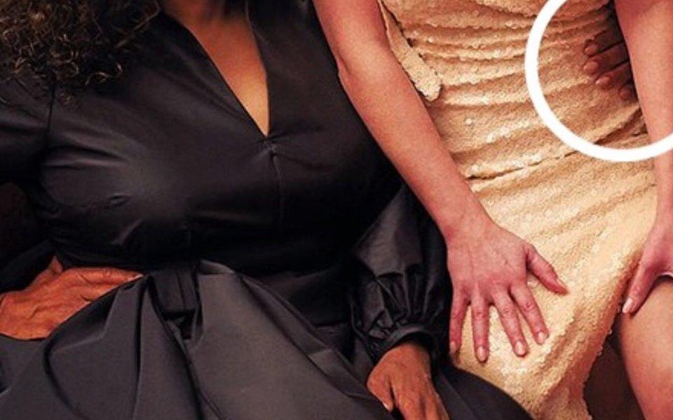 Три руки или три ноги? Всоцсетях высмеяли новую обложку Vanity Fair сОпрой Уинфри иРиз Уизерспун