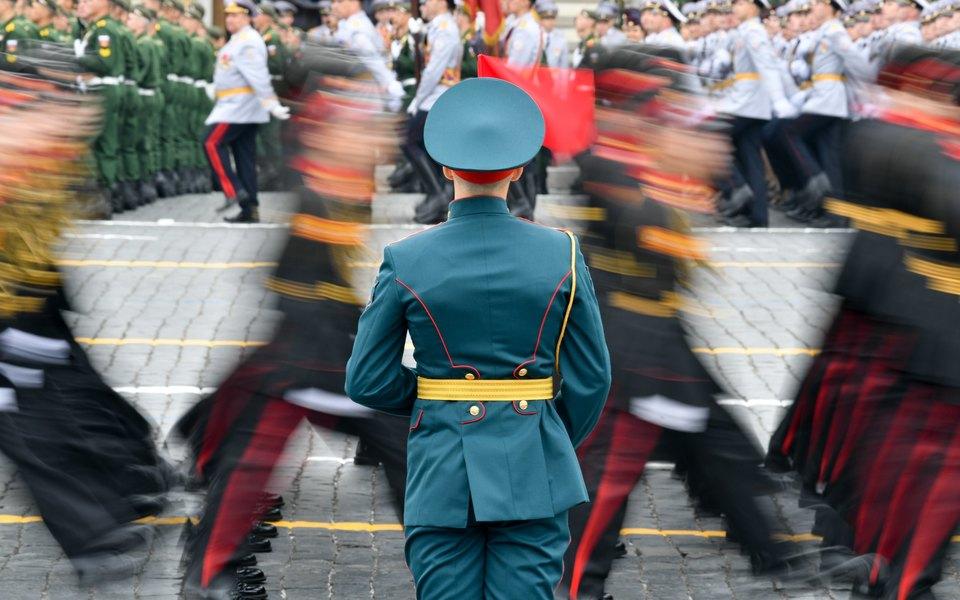 Несколько регионов вРоссии отказались проводить парад Победы из-за коронавируса, мэр Москвы рекомендовал напарад неходить. ВКремле уже наэто отреагировали