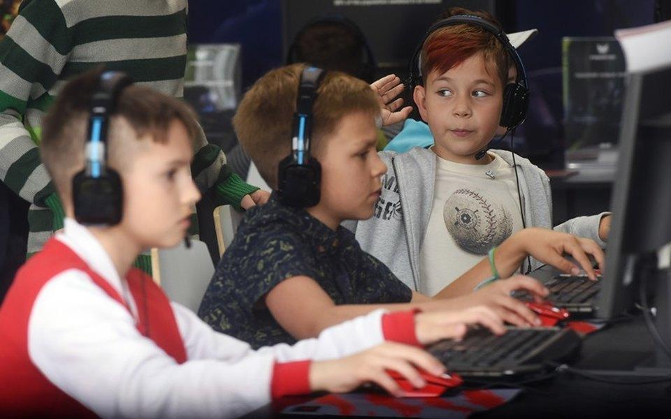 Не более 90 минут вдень: подросткам вКитае ограничили время дляонлайн-игр