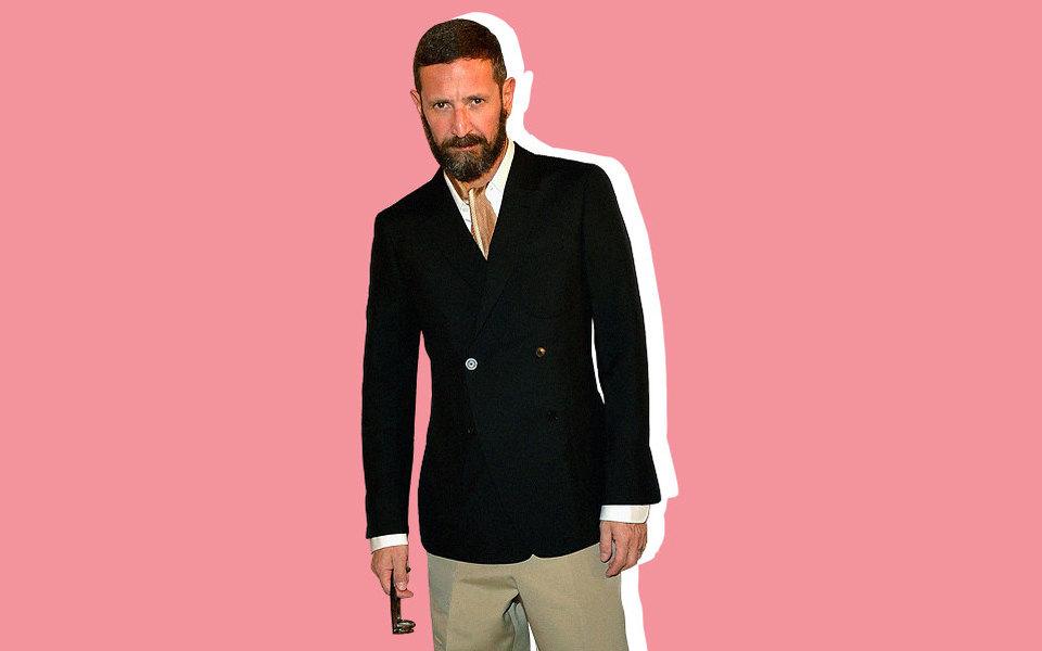 Возможно, вы никогда неслышали одизайнере Стефано Пилати, но вы точно захотите одеваться так же, как он