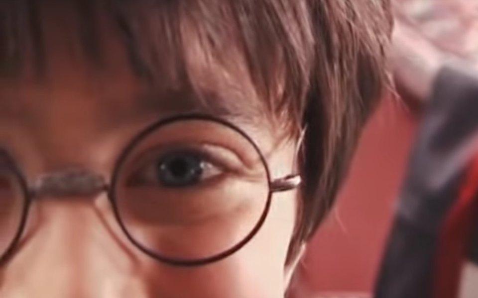 Письмо вХогвартс: всети появились редкие архивные кадры со съемок фильма «Гарри Поттер ифилософский камень»