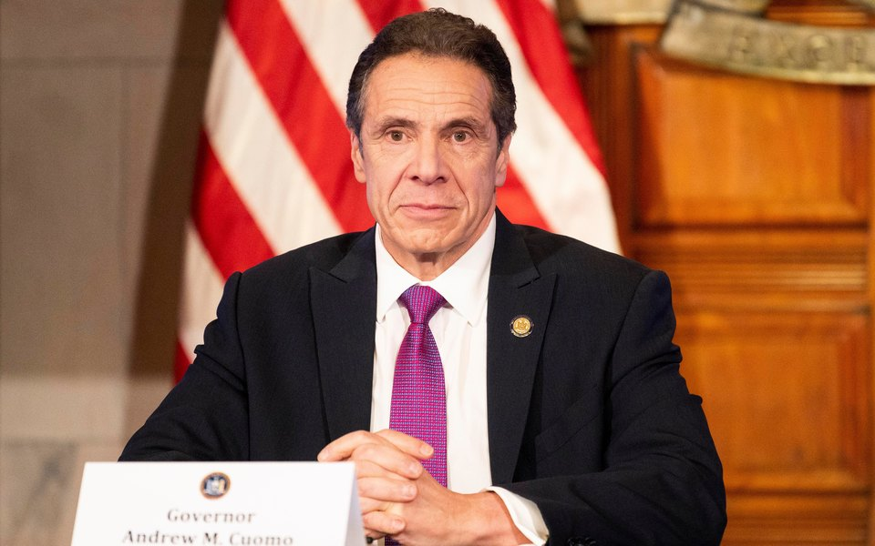Губернатор Нью-Йорка Эндрю Куомо подал в отставку после обвинений в сексуальных домогательствах