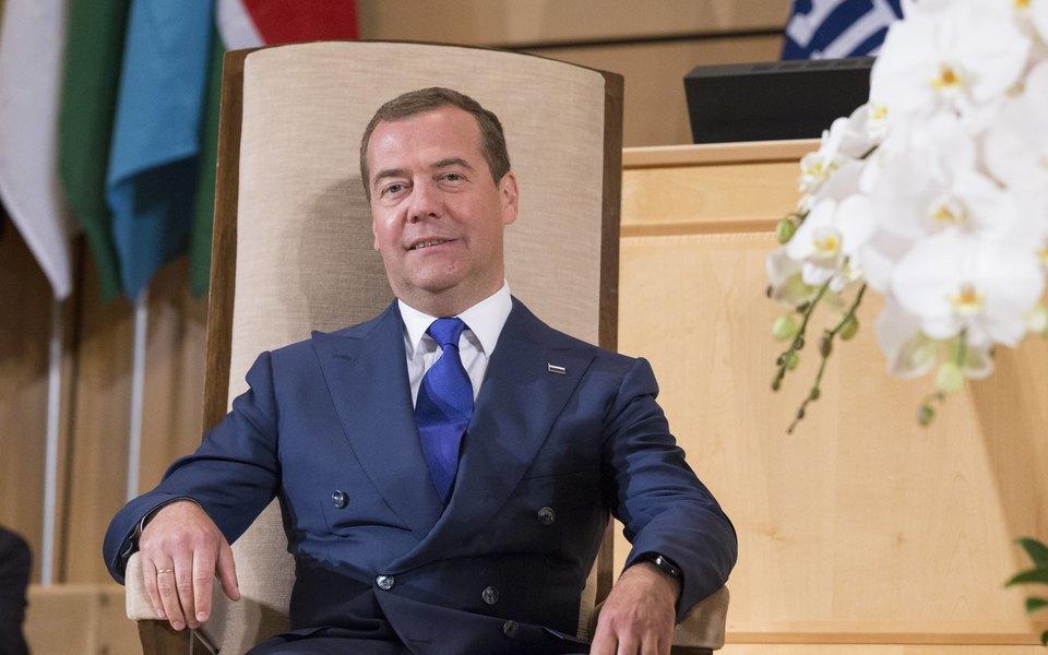 «Vk mho cucumber uovunpniophvoui»: твиттер Дмитрия Медведева снова взломали
