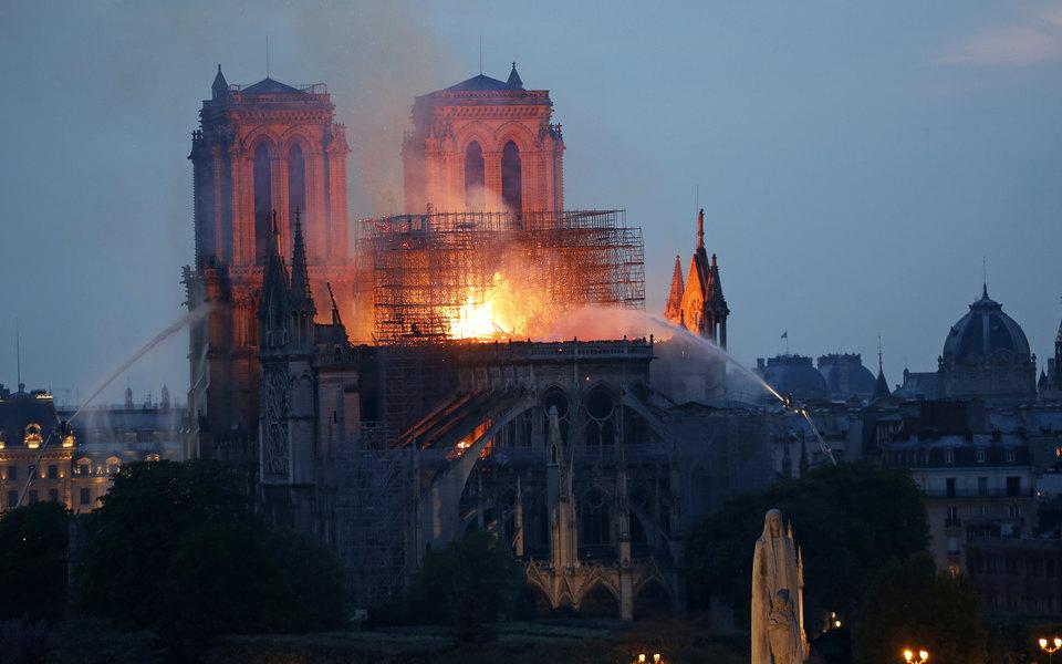 Что известно опожаре всоборе Парижской Богоматери: главное