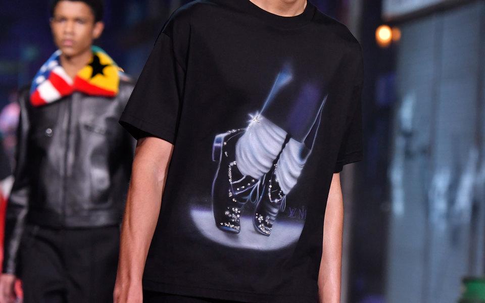 24a65408d7f9 Louis Vuitton не будут выпускать вещи с отсылками к Майклу Джексону из последней  мужской коллекции
