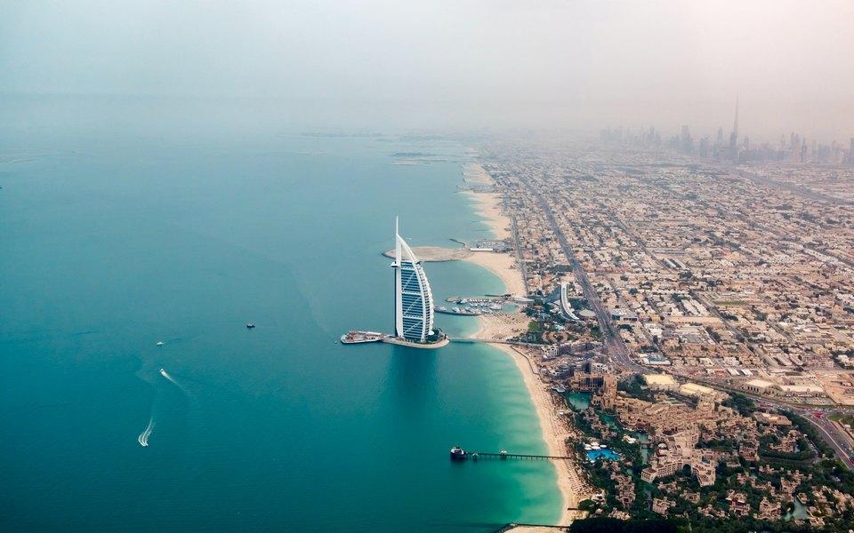 Россиянина, организовавшего съемку собнаженными женщинами набалконе небоскреба вДубае, депортируют народину