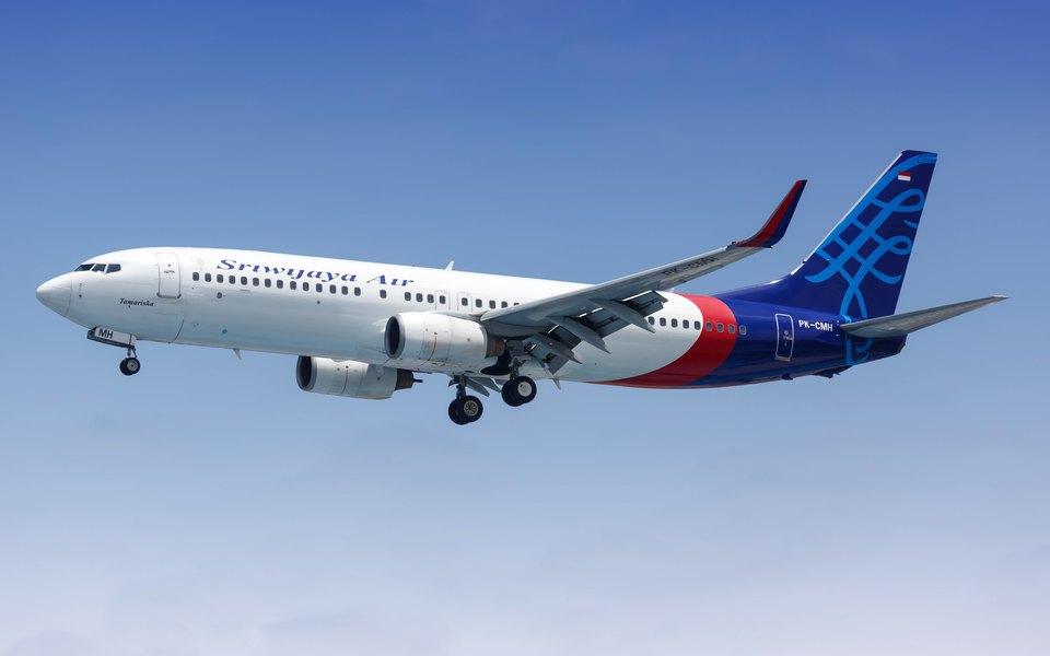 Пассажирский Boeing индонезийской Sriwijaya Air упал вводу недалеко отДжакарты. Вморе нашли обломки ичасти тел