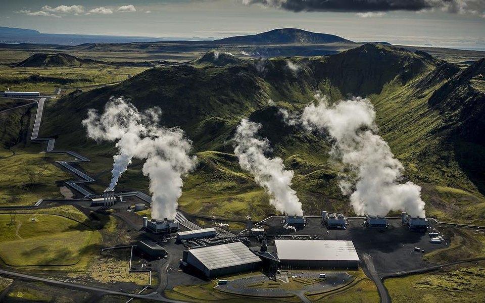В Исландии запустили крупнейшую вмире установку дляулавливания углекислого газа извоздуха
