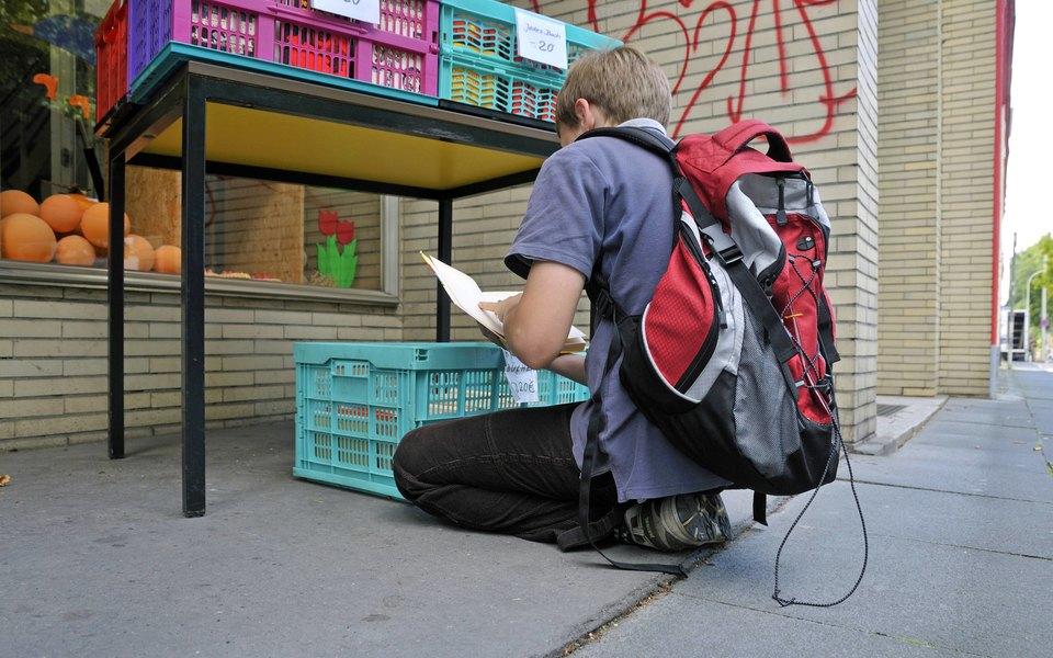 В Швейцарии ребенок хотел расплатиться игровыми деньгами. Теперь 12 лет он будет числиться в базе данных полиции