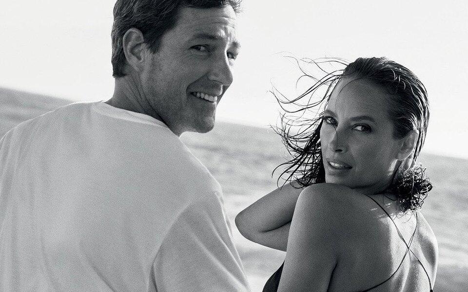 Супермодель 1990-х Кристи Тарлингтон снялась вместе смужем вкампании аромата Calvin Klein Eternity — как 30 лет назад