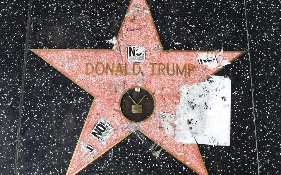 Американка отмыла звезду Трампа наАллее славы