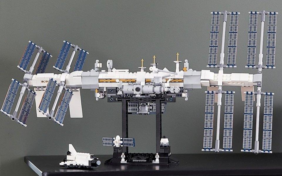 LEGO представил набор конструктора для сборки МКС. Теперь каждый сможет создать собственную космическую станцию
